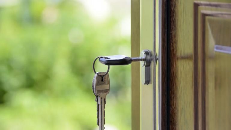Acheter une maison : faut-il attendre ou sauter le pas ?